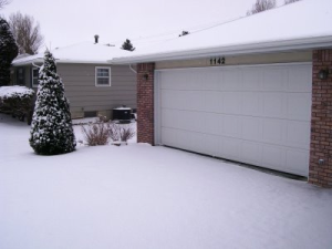 garage door and snow